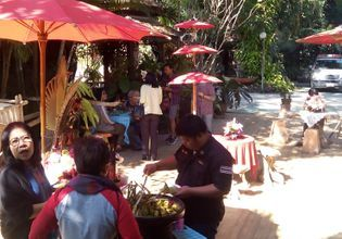 Cooking class & Handicraft products