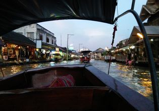 Private Boat : Maeklong Railway Market & Amphawa Floating Market