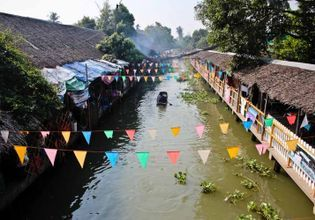A Tour of Khlong Lat Mayom, The Most Authentic Weekend Floating Market in Bangkok