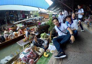 Damnoen Saduak Floating Market, Maeklong Railway Market and Boat Ride