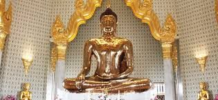 Although there are many things to see in chinatown one of the unintetesting temple is home to the world's largest solid gold Budha image. That's definitely worth a look