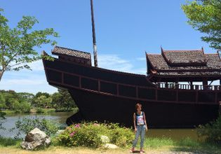 An explorer for a day in the Ancient Town of Samut Prakarn