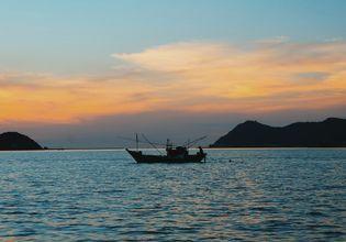 Sattahip Sunset  Boat Trip by Local Fisherman Boat