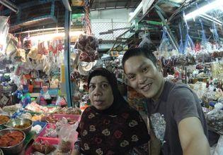 My muslim partner in the market