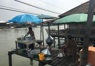 Life style of people on Koh Kret