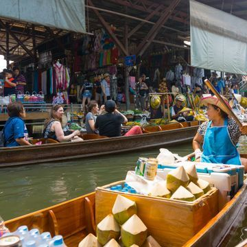 Floating Market and Ratchaburi's Famous Attractions