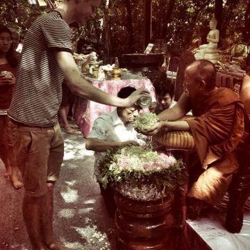 发现泰国的佛教世界