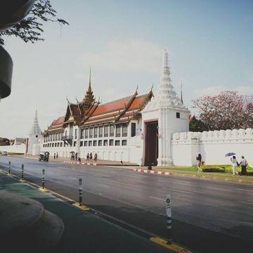 Strolling along and Chillaxing in Rattanakosin Island by TukTuk
