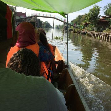 Sightseeing along the Mahasawat Canal in the local boat trip [Special for Customize Customers]