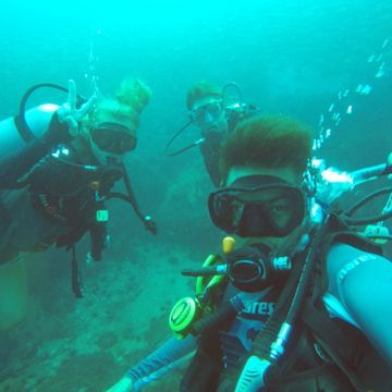 Explore Under Waterworld by Scuba Diving in Koh Tao. (Pls book in advance 2 more days )