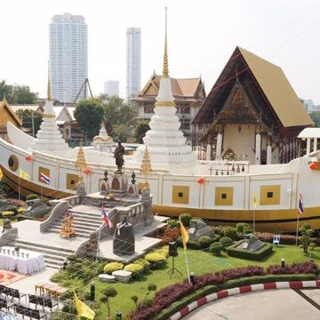 Temple tour and Shopping in Local Market