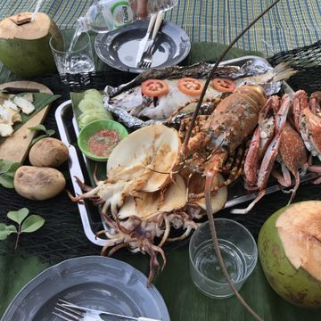 Phuket Local Lobster Farm & Dinner on Your Private Beach (2PAX Minimum)