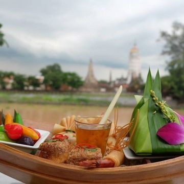 Thai Ancient Temples with Sumptuous Grilled River Prawns, Thai Afternoon Tea Set & Famous Street Food in China Town
