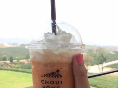 Milk tea at Chui Fong tea garden