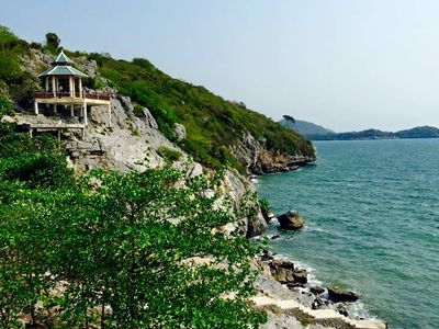 Sichang Island is calling! Fantastic Island and the beautiful beaches.