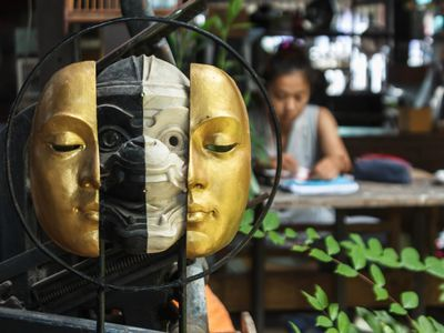 The Fifty Shades of Thonburi Area (Floating Market, Puppet Show, and More)
