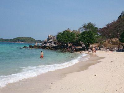 Beautiful day to 'Koh Lan' a beautiful island nearby Bangkok