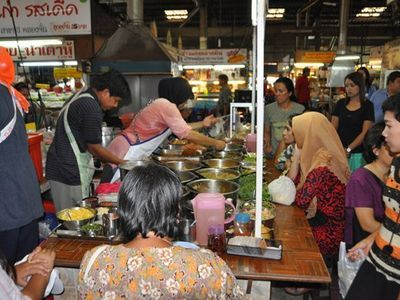 See Safari World and Try Halal Street Food