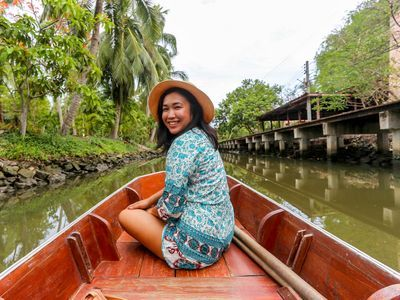 Enjoy Rowing boat and appreciate the way of local lifestyle