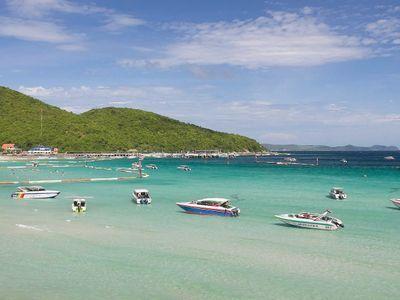 Indulge Yourself on The Wonderful Island 'Koh Lan'