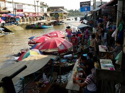 Maeklong Railway and Amphawa Floating Markets