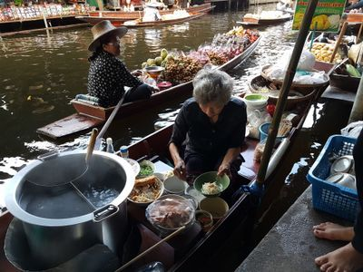 Damnoen Saduak Floating Market & Maeklong Railway Market (Everyday)