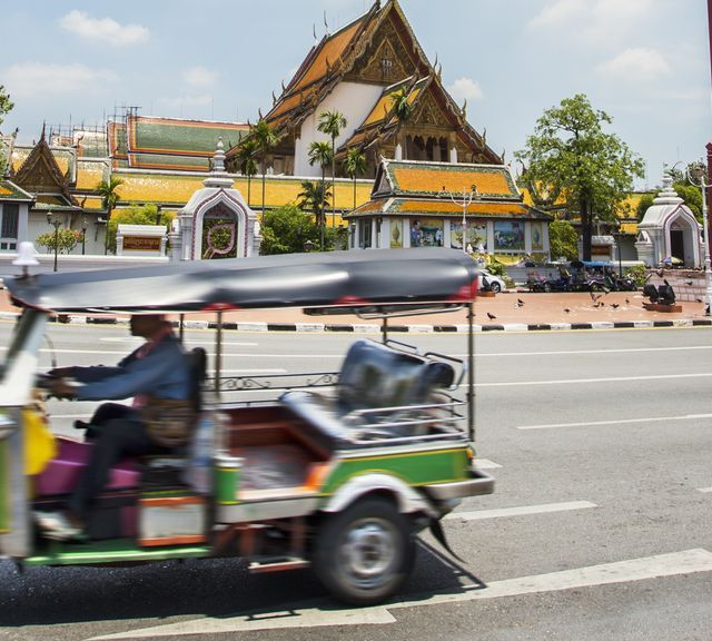 Tuk Tuk Ride to Temples, Spa & Awesome Dinner