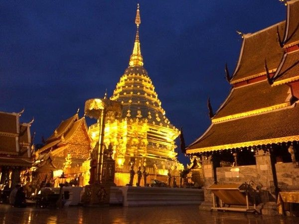 Take a Sunrise Tour of Doi Suthep and Taste Authentic Thai Food!