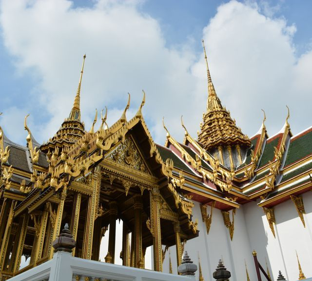 Explore Traditional Thai Architecture with A Local Architecture Student