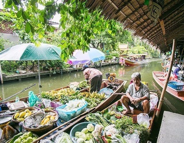 Khlong Lat Mayom Floating Market Tour: Food & Long-Tail Boat Ride