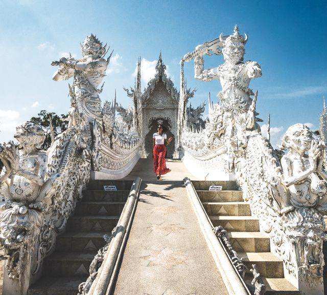 Blue Temple, White Temple, Black House, Lotus Temple & Best Khao Soi