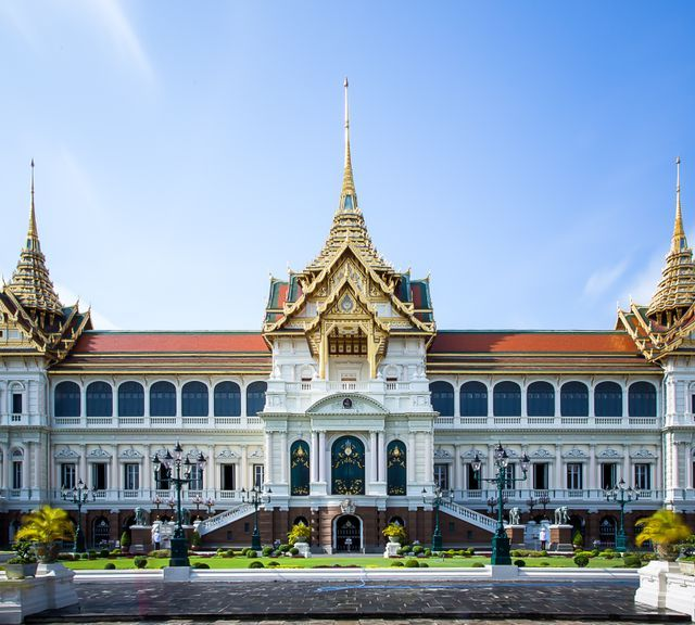 Explore the Charming Side of Bangkok