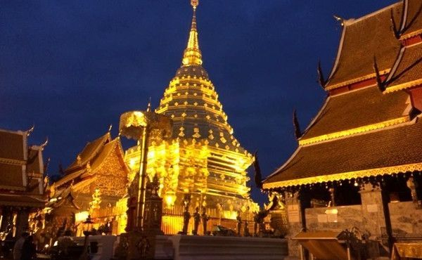 Take a Sunrise Tour of Doi Suthep and Taste Real Thai Food