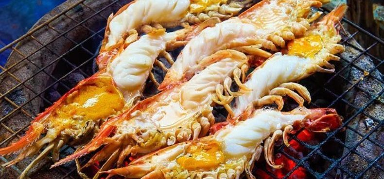 Explore Ancient Market & Seafood World with Free Personal Photographer