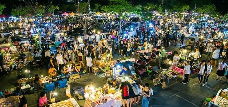 Chill out at the most liveliest Weekend Night Market in town