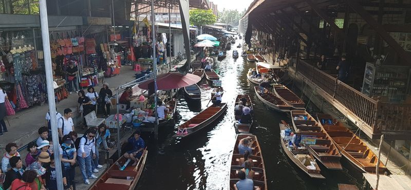 3 Market in 1 Day Damnoen Saduak Floating Market + Maeklong Railway Market & Amphawa Floating Market (Friday to Sunday)