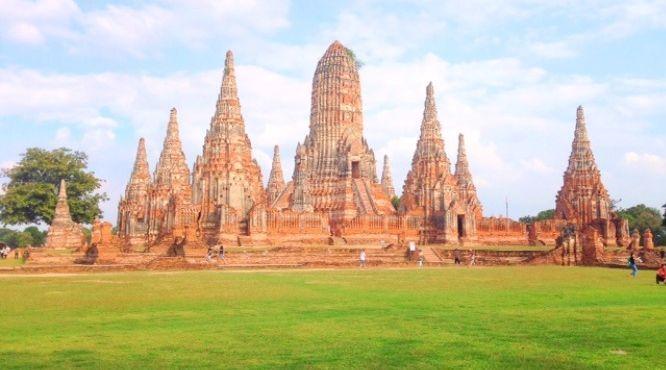 Private Ayutthaya Tours & Experience the fresh King River Prawn